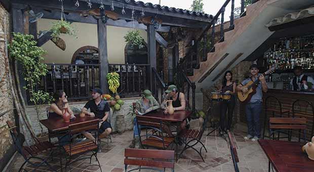 Jesús Menéndez (Alameda)  no. 222 e/ Callejón de Galdós  y Juan M. Márquez (Amargura), Trinidad / Tel: +5341994143; +5352711733; email: tabernaelbarracontrinidad@gmail.com