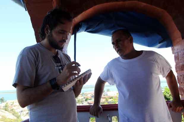 Pelly complace al bichito de chismoso que tenemos todos los periodistas. Foto: KMVL/OnCuba